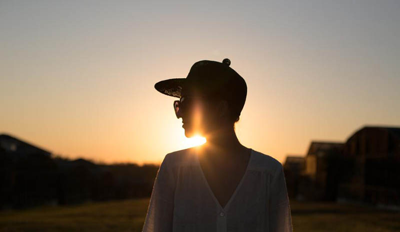 woman-silhouette-sunset_800x465